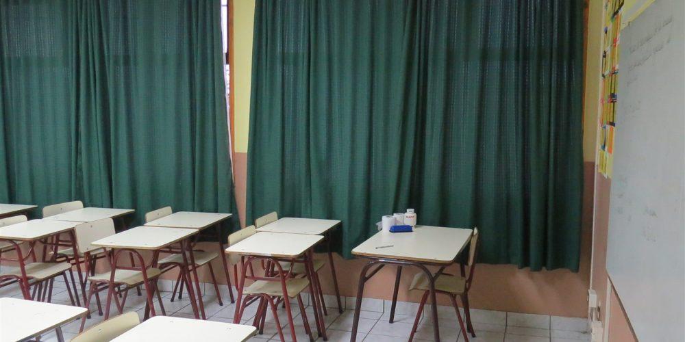 100 salas de clases básica