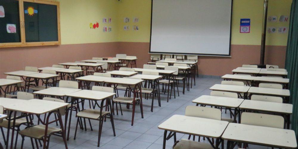 103 salas de clases básica