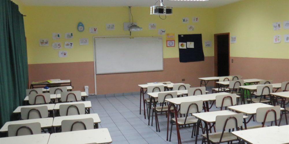 104 salas de clases básica