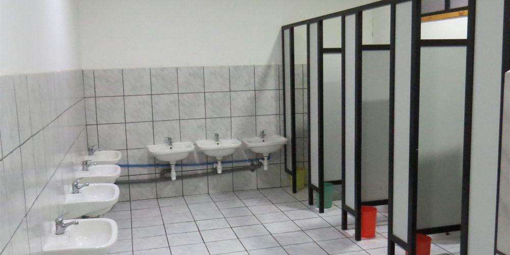 48 Baño alumnos pre-básica