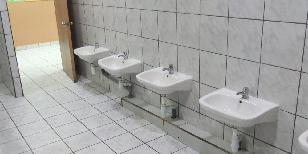 49 Baño alumnos pre-básica