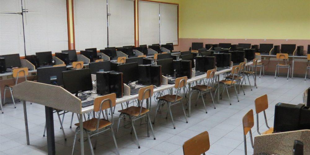 84 Laboratorio computación