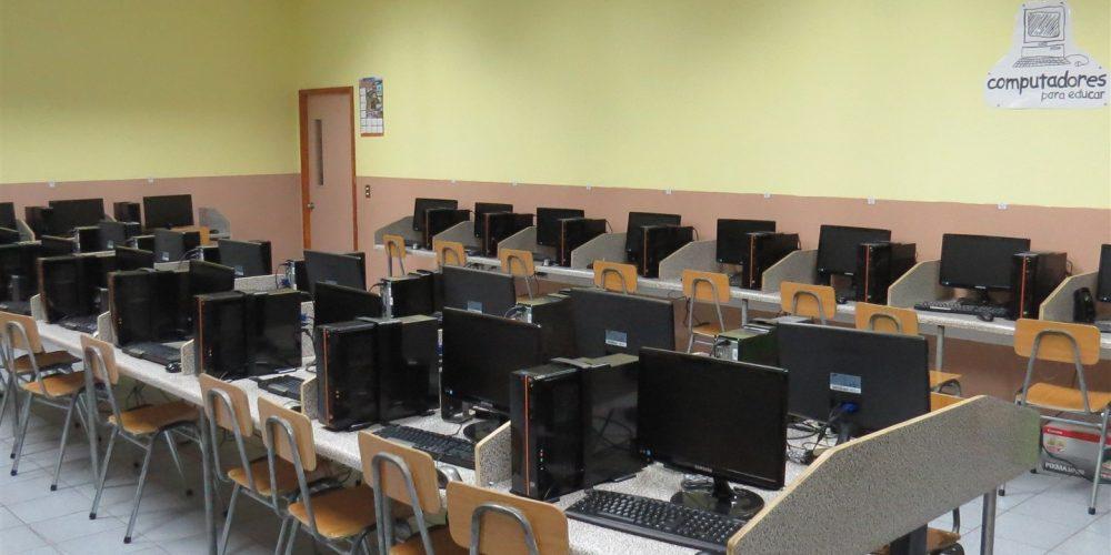 86 Laboratorio computación