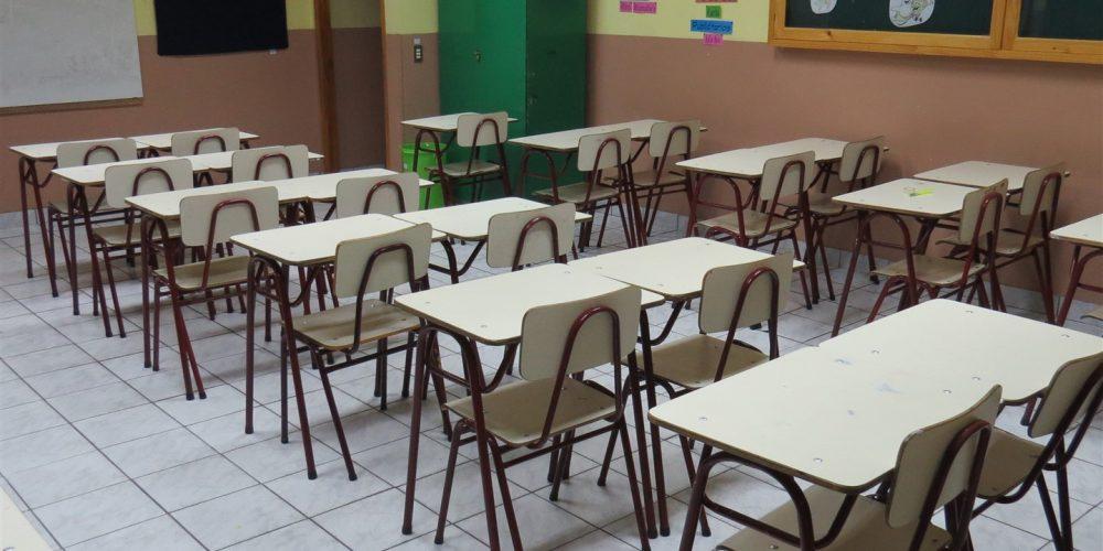 96 salas de clases básica