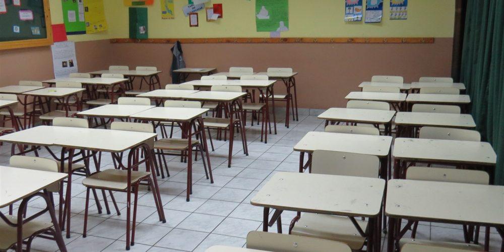 97 salas de clases básica